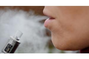 Vier rauchfreie Tabakprodukte